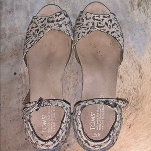 TOMS Leopard and Cork Wedge; size 9